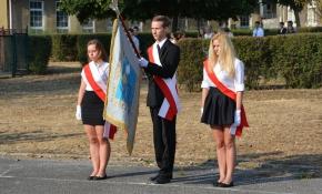1 września 2015 r. Uroczyste rozpoczęcie roku szkolnego. fot. Magdalena Hudańska i Kinga Nowicka.