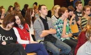 żużlowcy w naszej szkole 5 XII 2013 r.