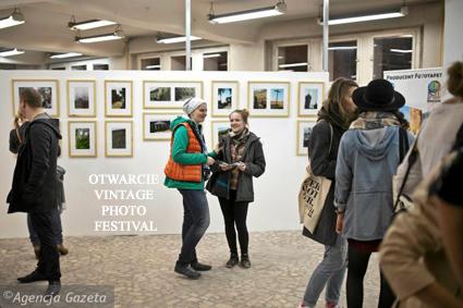 (2a)z19003743Q Otwarcie Vintage Photo Festival
